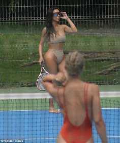 Kim Kardashian playes Tennis in nud3 bikini